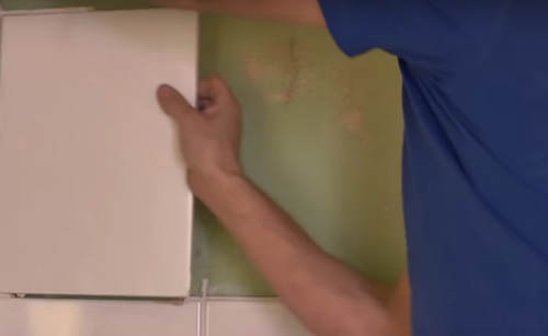 retirar los azulejos de la zona de la bañera